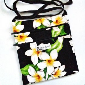 White & Black Hawaiian Flower Print Crossbody Bag